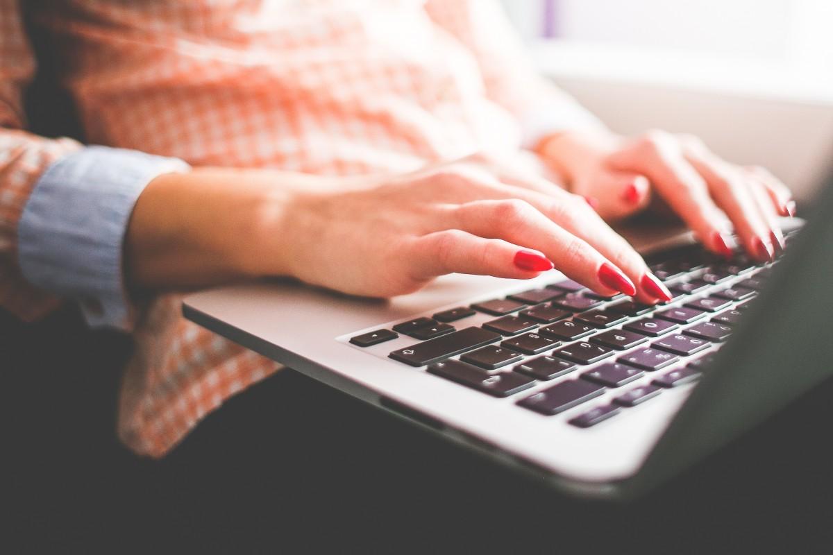 Quelles sont les bonnes astuces pour séduire en ligne